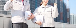 男性と女性の作業員の写真素材 [FYI04615193]