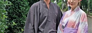 浴衣姿の日本人カップルの写真素材 [FYI04616424]
