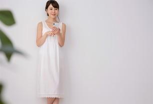 日本人女性の写真素材 [FYI04616525]