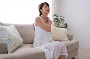 日本人女性の写真素材 [FYI04616634]