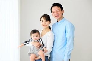 日本人親子の写真素材 [FYI04616875]