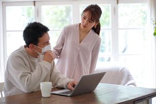 日本人夫婦の写真素材 [FYI04617632]