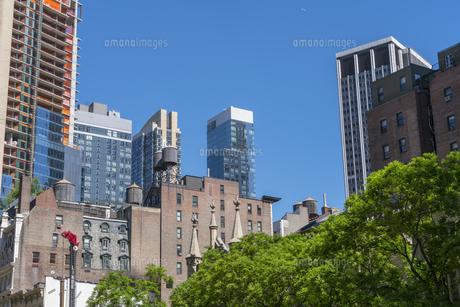 ミッドタウンマンハッタンの住宅街に建築中の高層住宅。の写真素材 [FYI04617652]