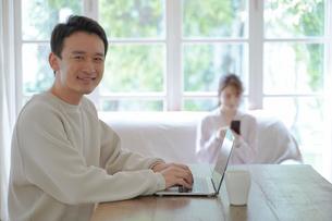日本人夫婦の写真素材 [FYI04617656]