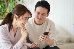 日本人夫婦の写真素材 [FYI04617756]