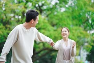日本人夫婦の写真素材 [FYI04617801]