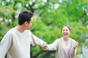 日本人夫婦の写真素材 [FYI04617803]
