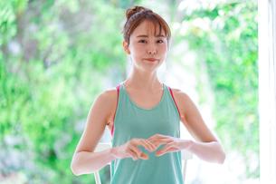 日本人女性の写真素材 [FYI04617810]