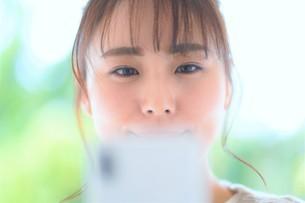 日本人女性の写真素材 [FYI04617820]