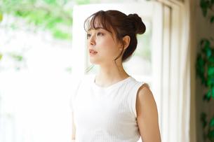 日本人女性の写真素材 [FYI04617857]