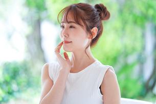 日本人女性の写真素材 [FYI04617869]