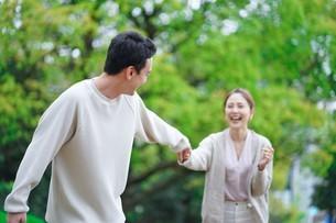 日本人夫婦の写真素材 [FYI04617989]