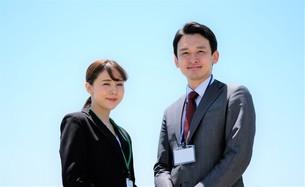 ビジネスマンとビジネスウーマンの写真素材 [FYI04618149]