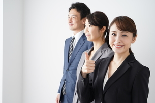 ビジネスマンとビジネスウーマンの写真素材 [FYI04618269]