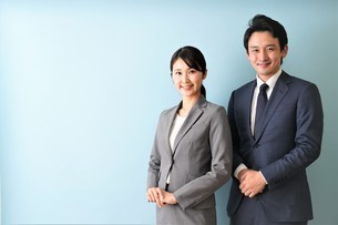 ビジネスマンとビジネスウーマンの写真素材 [FYI04618339]