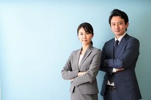 ビジネスマンとビジネスウーマンの写真素材 [FYI04618343]