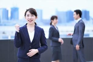 ビジネスマンとビジネスウーマンの写真素材 [FYI04618757]