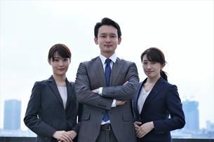 ビジネスマンとビジネスウーマンの写真素材 [FYI04618783]