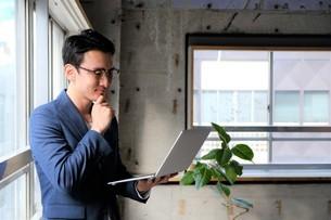 日本人ビジネスマンの写真素材 [FYI04619427]