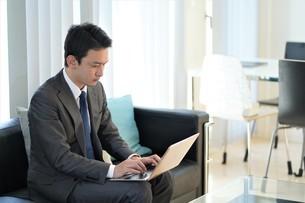 日本人ビジネスマンの写真素材 [FYI04619502]