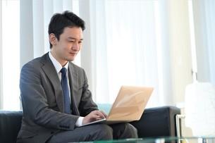 日本人ビジネスマンの写真素材 [FYI04619509]