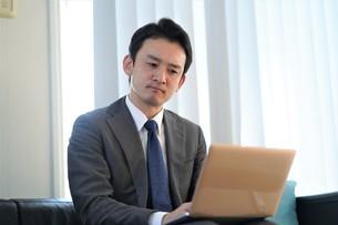 日本人ビジネスマンの写真素材 [FYI04619547]