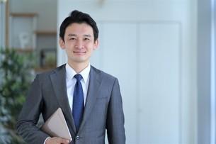 日本人ビジネスマンの写真素材 [FYI04619565]