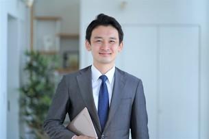 日本人ビジネスマンの写真素材 [FYI04619566]