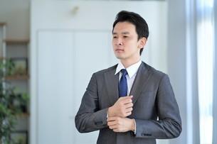 日本人ビジネスマンの写真素材 [FYI04619590]