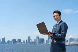 日本人ビジネスマンの写真素材 [FYI04619859]