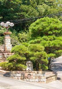 神戸市 塩屋ジェームス山 外国人住宅地のライオン像の写真素材 [FYI04620825]