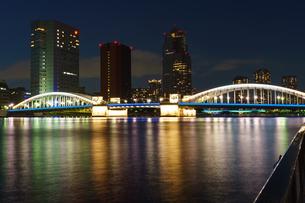 新しいライトアップの勝どき橋の写真素材 [FYI04621269]