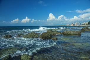 日本海と湯野浜温泉の写真素材 [FYI04622116]