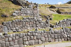 ペルー・サクサイワマン遺跡の城壁の写真素材 [FYI04622273]