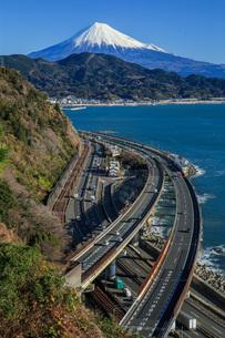 薩埵峠からの富士山の写真素材 [FYI04622981]