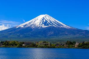 富士山と河口湖の写真素材 [FYI04623022]