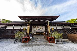 下鴨神社 中門正面の写真素材 [FYI04623700]