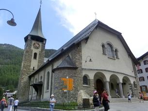 ツェルマットの教会の写真素材 [FYI04623847]