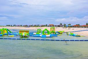 沖縄の美らSUNビーチの写真素材 [FYI04624889]