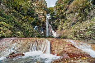 草津 嫗仙の滝の写真素材 [FYI04625002]