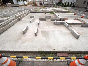 東京都 住宅街の再開発工事の写真素材 [FYI04625916]