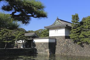皇居の桔梗門の写真素材 [FYI04626642]