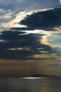 早朝の琵琶湖の写真素材 [FYI04627126]