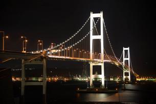室蘭 白鳥大橋の夜景の写真素材 [FYI04627669]
