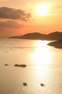 播磨灘の夕景の写真素材 [FYI04628742]