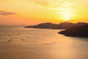 播磨灘の夕景の写真素材 [FYI04628744]