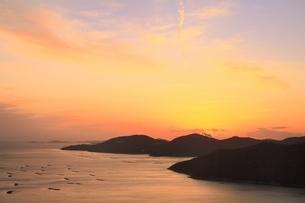 播磨灘の夕景の写真素材 [FYI04628745]