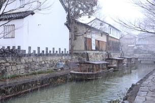 降雪の八幡堀の写真素材 [FYI04628783]