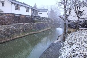 降雪の八幡堀の写真素材 [FYI04628784]