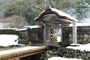 雪の一乗谷朝倉氏遺跡の写真素材 [FYI04628795]